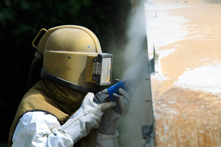 Tryskávanie a pieskovanie kovov